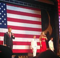Entertainers on the Branson Belle Dinner Cruise.